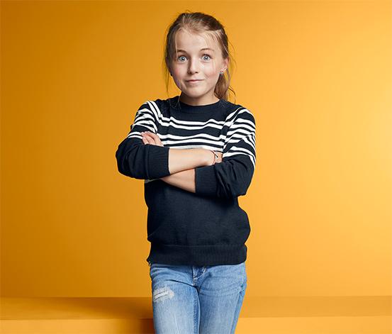 Lány finom kötésű pulóver, csíkos