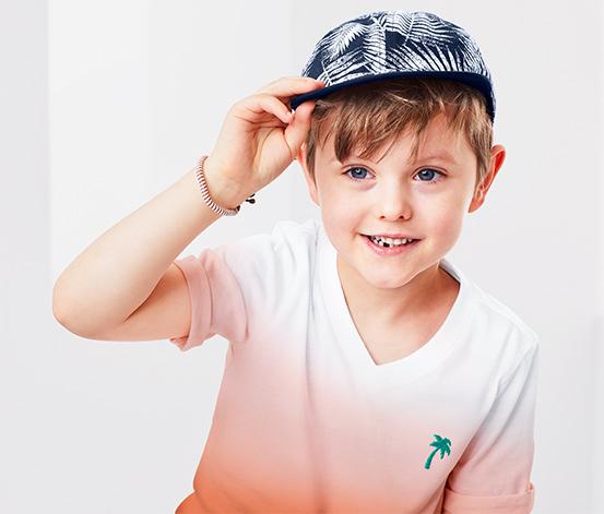Tamamı Beyaz Baskılı Lacivert Şapka