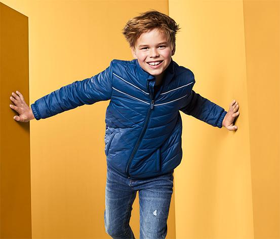 Granatowa kurtka pikowana chłopięca