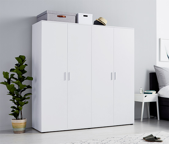 Čtyřdveřová šatní skříň, cca 180 cm