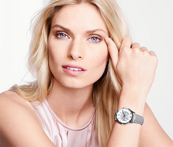 Dámské hodinky s koženým řemínkem a kamínky Swarovski®, šedé