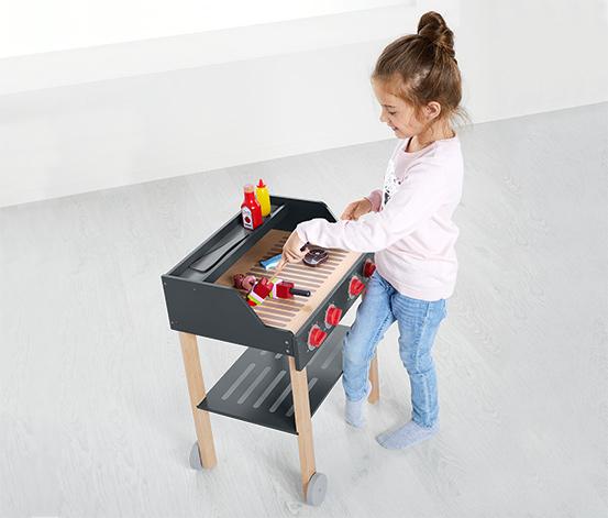 Zabawkowy grill z drewna