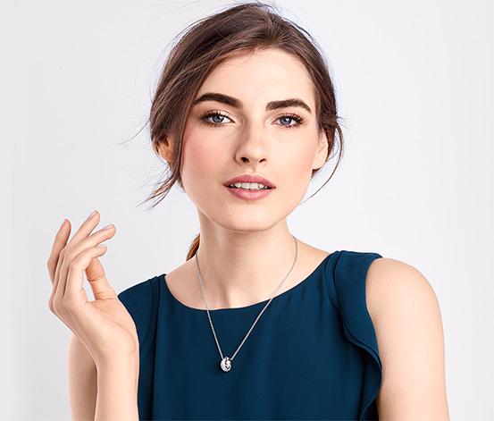 Naszyjnik wysadzany kryształami marki Swarovski®.