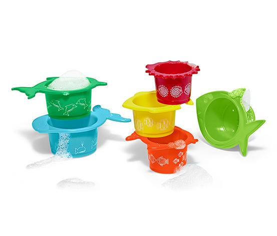6 színes játékpohár szettben, halacskás