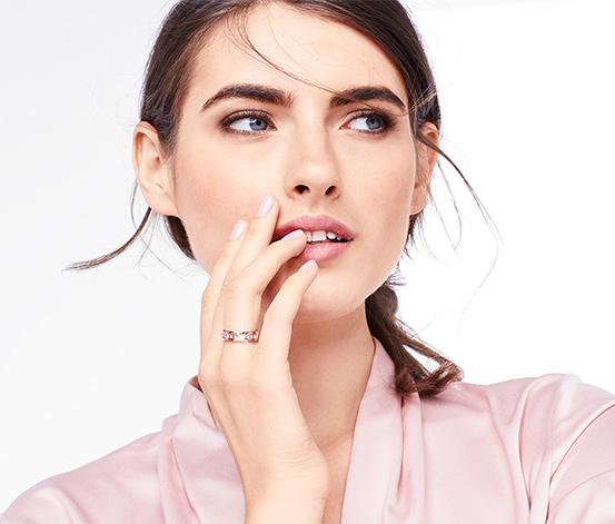 Ring rosévergoldet, verziert mit Swarovski® Kristallen