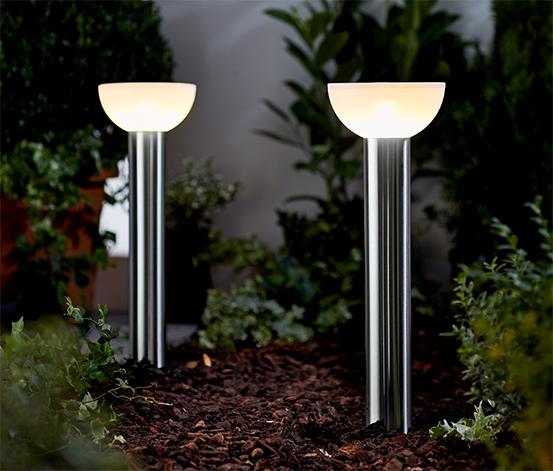 2 LED-Solarleuchten