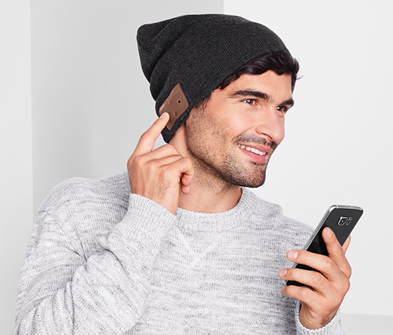 Čepice prodlouženého střihu se sluchátky