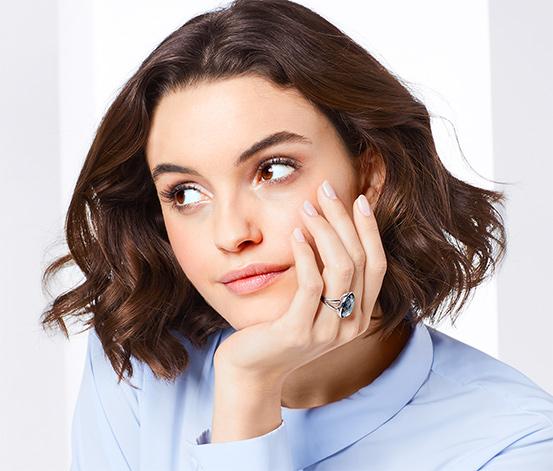 Női gyűrű, csiszolt, szürke üvegkővel