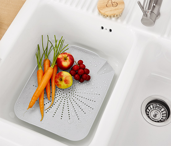 Lapos mosogatótálca-szűrőbetét