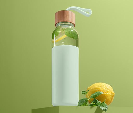 Butelka ok. 500 ml, w silikonowej osłonie
