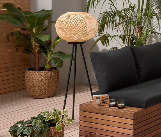 Stojacia lampa s LED »Trojnožka« s bambusovým tienidlom