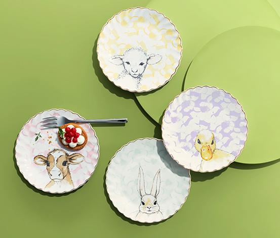 4 assiettes à dessert avec décoration dorée et brillante