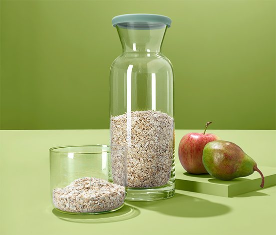 Szklana butelka ok. 1 l ze szklanką-miarką ok. 400 ml