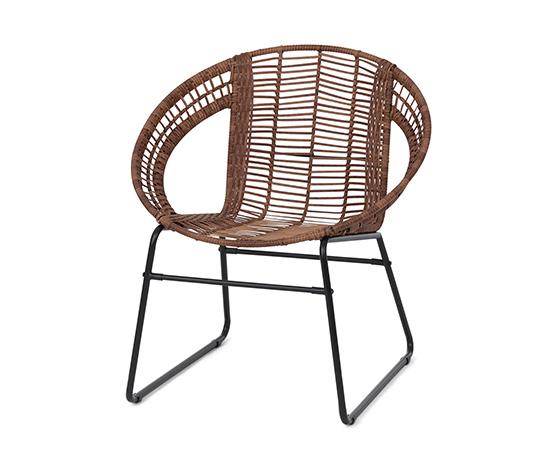 Stolička z polyratanu