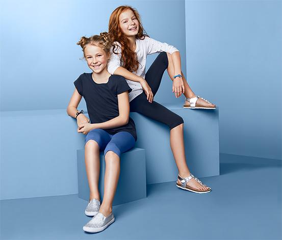 2 lány 3/4-es leggings szettben, kék