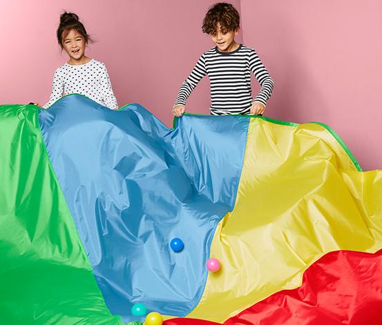 Très grande toile de parachute