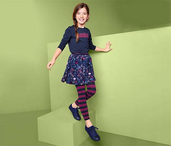 2 lány kötött leggings szettben, sötétkék/csíkos