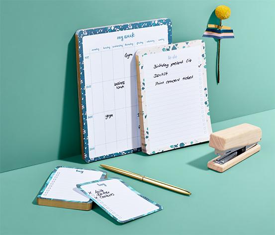 3 organizéry so zápisníkmi