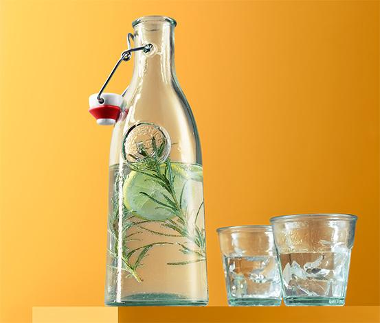 Butelka z zielonego szkła z zamknięciem i dekoracyjnym tłoczeniem