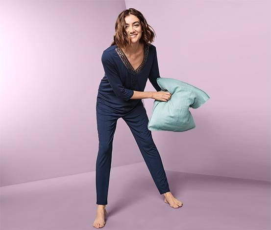 Pyžamo s výšivkou