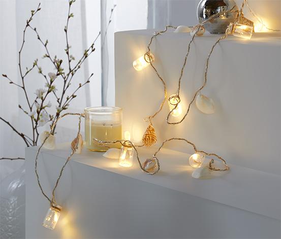 Łańcuch świetlny LED w morskim stylu z dekoracyjnymi muszelkami