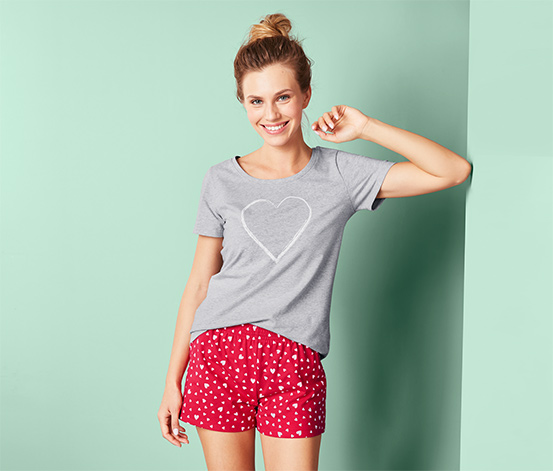 Piżama damska z koszulką i spodenkami z wzorem w serca