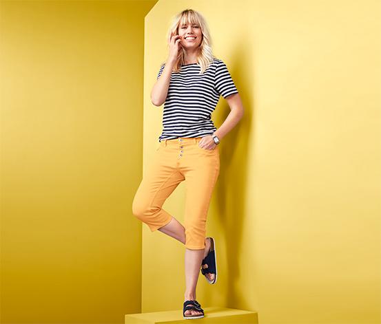 Damskie spodnie dżinsowe o długości 3/4 z rozcięciami po bokach