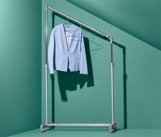 Výškově nastavitelný věšák na šaty
