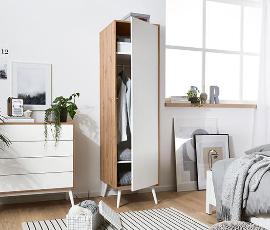 Jednodveřová šatní skříň, šířka cca 50 cm