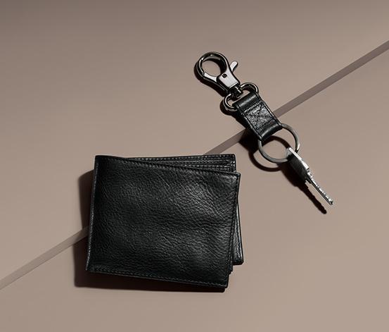 Férfi bőr pénztárca, kulcstartóval, fekete