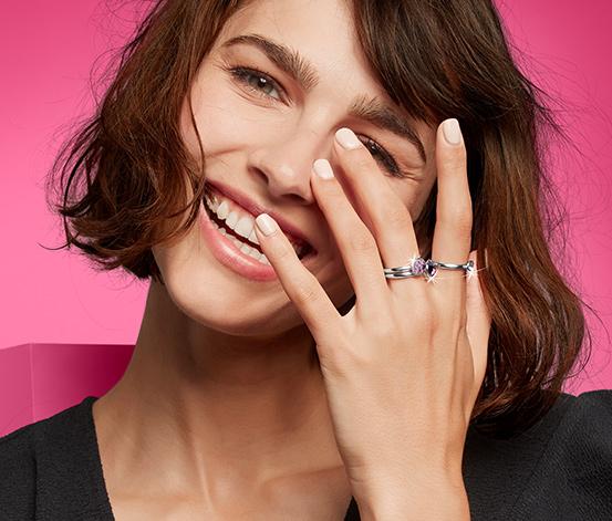 Zestaw pierścionków wysadzanych kryształami marki Swarovski® , 3 sztuki