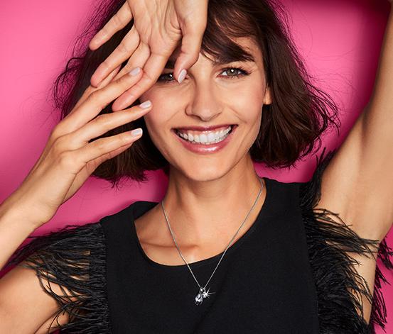 Női nyaklánc, Swarovski® kristályokkal, csepp alakú