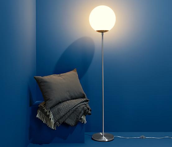 """Stojací lampa s LED """"Skleněná koule"""""""