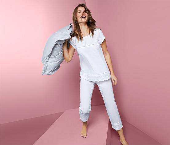 Tkané pyžamo s ažurovou výšivkou