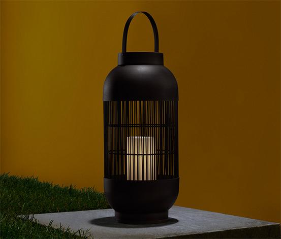 Ogrodowa latarnia LED z wkładem imitującym świecę