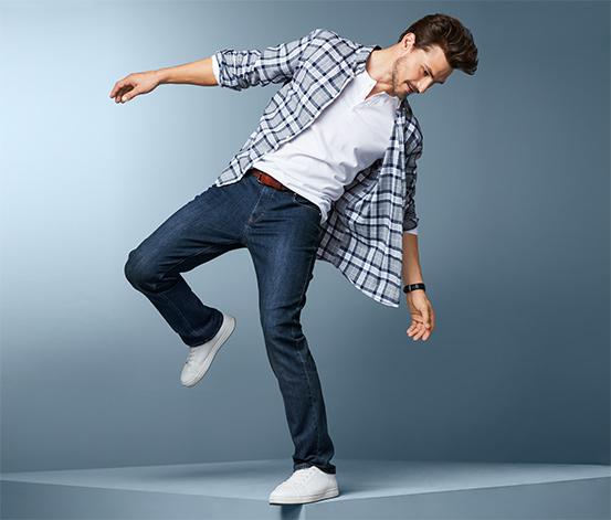 Męskie spodnie dżinsowe o prostym kroju