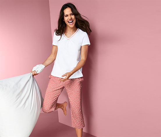 Piżama z koszulką i spodniami w kropki o długości 3/4