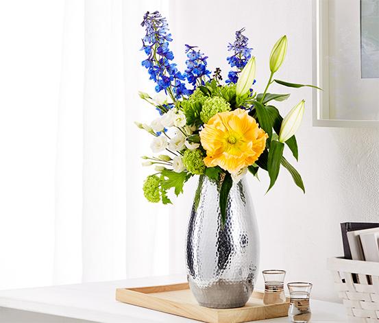 Vase in gehämmerter Optik