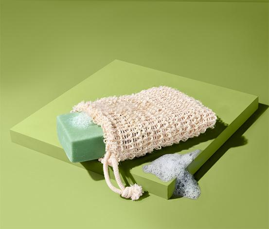 Mydło oliwkowe w naturalnym woreczku - gąbce, z pętelką do zawieszenia