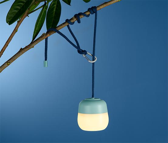 Lampa s LED a karabínkou