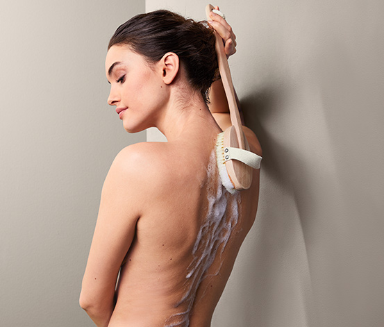 Sprchovacia kefa na telo