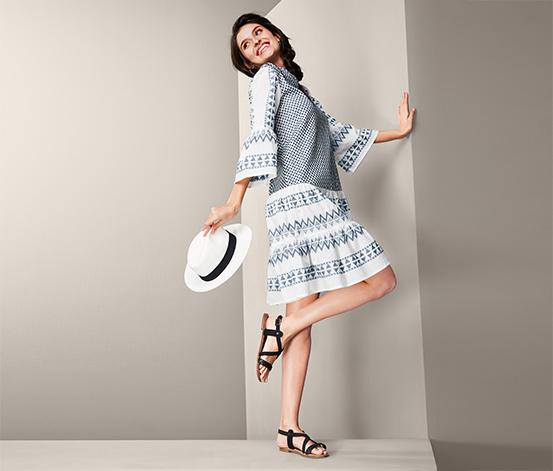 Bawełniana damska sukienka, biała z niebieskim ikatowym wzorem