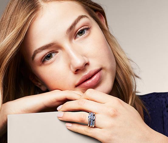 Ring-Set verziert mit Swarovski® Kristallen