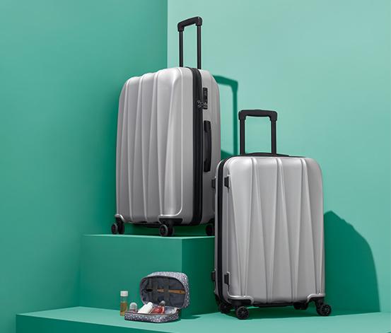 Kufr z tvrdé skořepiny, střední