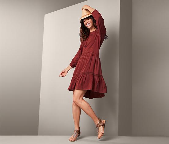Damska sukienka midi z szydełkową bordiurą i troczkami przy dekolcie, ceglasta czerwień