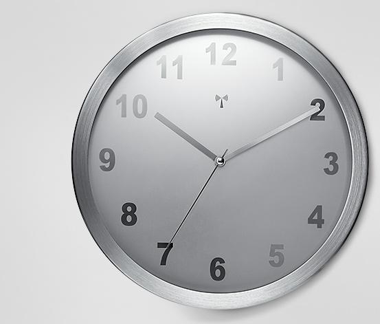 Nástěnné hodiny řízené rádiovým signálem