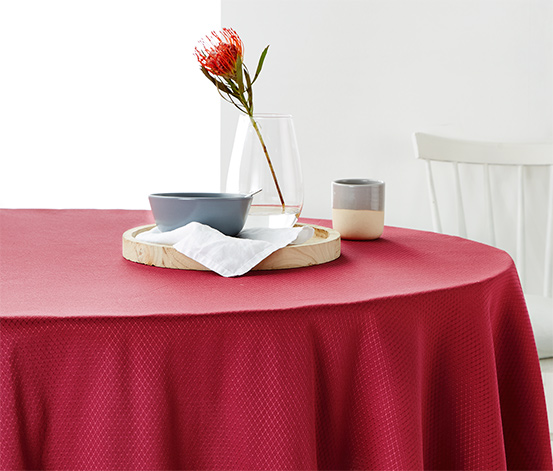 Jakarlı Masa Örtüsü, Oval, Kırmızı, yaklaşık 160x220 cm
