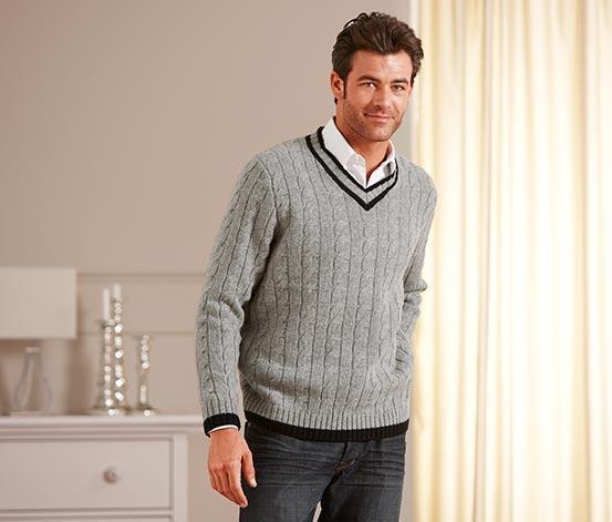 Sweter ze wzorem w warkocze