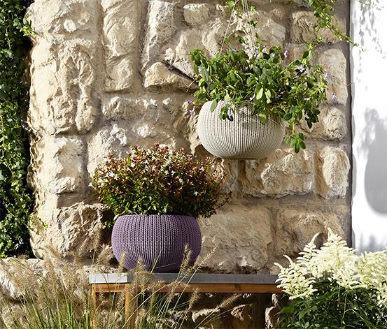 Pot de fleurs à l'aspect tricoté
