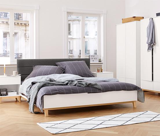 Łóżko z wyściełanym zagłówkiem, ok. 180 x 200 cm